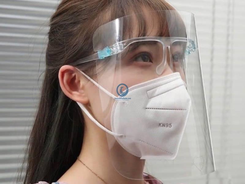Nhung Dieu Ban Can Biet Ve Mu Bao Ve Face Shield 1